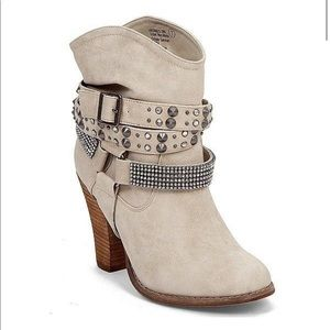 Not Rated wrap around strap studded booties sz 9